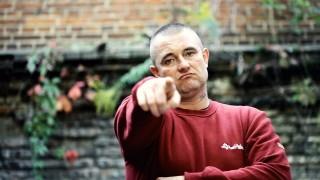 Basti – Europa Umiera ft. Toony (Video)